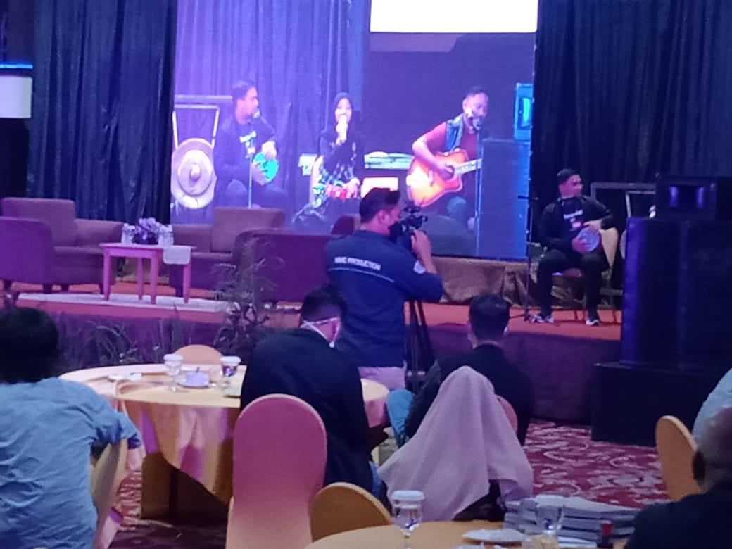 Suasana Seminar Evaluasi Pilkada KPU Sumbar di salah satu hotel di Padang, Sabtu (16/1). [Foto. Ist]
