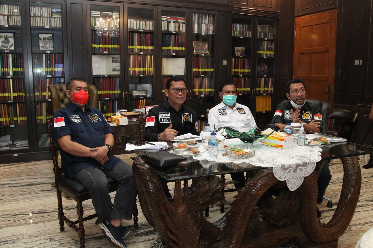 Rapat Dengar Pendapat secara virtual Komisi II DPD RI dengan Kementerian Perdagangan di Jakarta, Senin (25/01). [Foto: Dok. DPD RI]
