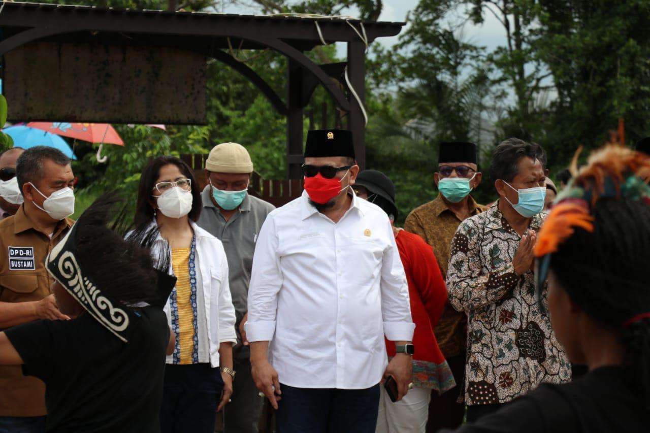 Ketua DPD RI LaNyalla Mahmud Mattalitti dalam kunjungan kerjanya ke Sorong, Papua Barat, Saenin (2/1). [Foto: Dok. DPD RI]