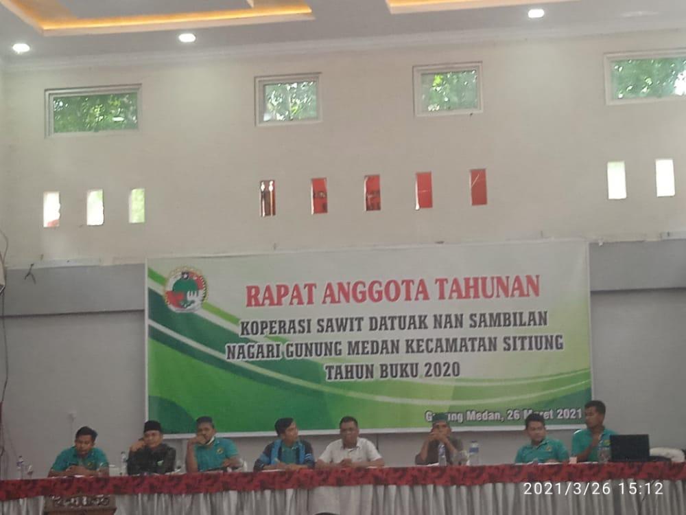 Suasana Rapat Anggota Tahunan (RAT) Koperasi Sawit Datuak Nan Sambilan tahun buku 2019 dan 2020 i Aula Hotel Umega Gunung Medan. Jumat, (26/3). [foto : Scientia/Tnl]
